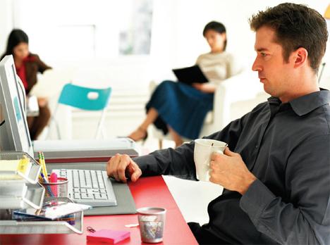 El trabajador es más productivo de 12:00 a 13:00 horas
